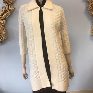 Vintage Sweater Bee Banff ivory cardigan sweater